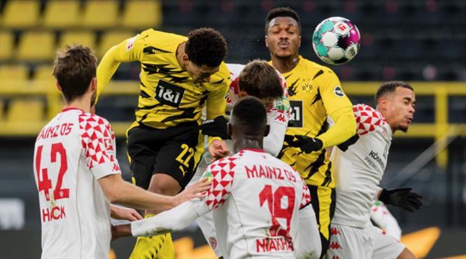 Dortmund düşme hattındaki Mainz'a takıldı