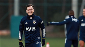 Alex'ten Mesut'a