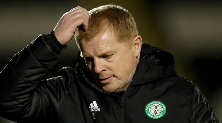 Celtic Teknik Direktörü Lennon istifa etti