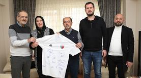 Ankaraspor'dan Ediz Bahtiyaroğlu'nun ailesine ziyaret