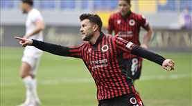İZLE | Sefa, Ibrahimovic'e nazire yaptı