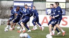 Fenerbahçe'de kamp kadrosu açıklandı