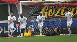 İZLE | Diouf kafayla takımını umutlandırdı