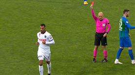 İZLE   Kırmızı kart: Vitor Hugo