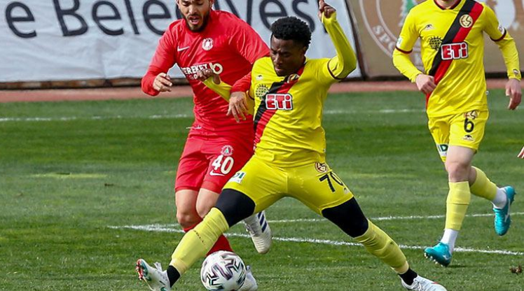 Eskişehirspor'da Sholaja'nın sözleşmesi feshedildi