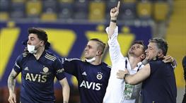 Fenerbahçe maç sonunda büyük sevinç yaşadı