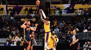 Lakers müthiş maçta play-off biletini aldı