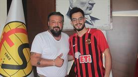 Bedirhan Altunbaş Eskişehirspor'dan ayrıldı