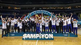 Anadolu Efes sezonu çifte kupayla kapattı