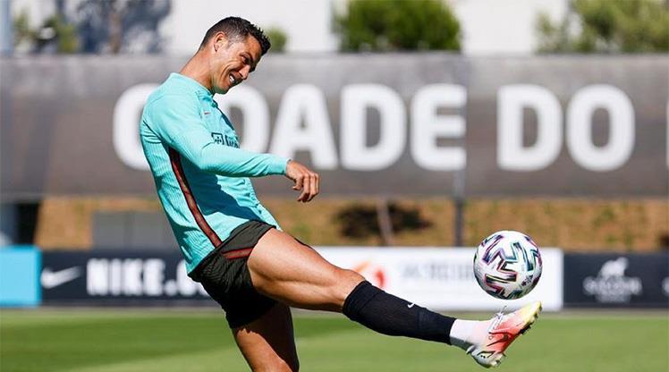 Ronaldo EURO 2020'de yeni rekorlar peşinde