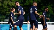 Fransa'da Mbappe-Giroud gerginliği