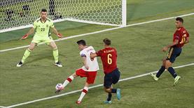 İspanya kaçtı, Polonya Lewa ile tutundu: 1-1