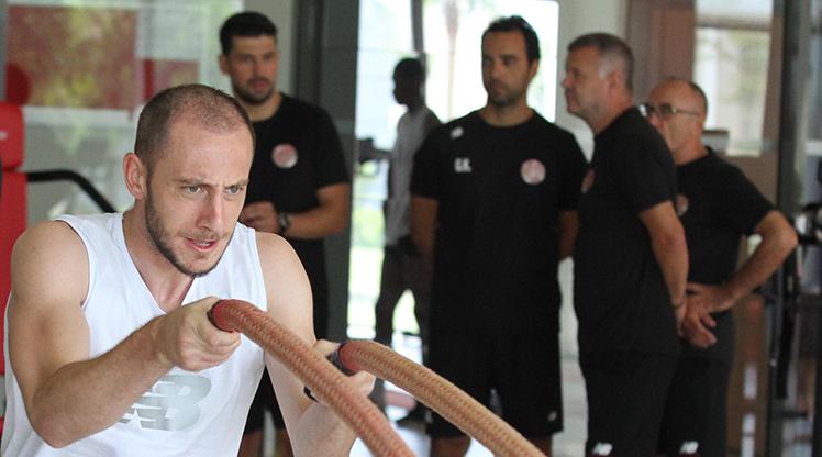 Antalyaspor sezona çift idmanla hazırlanıyor