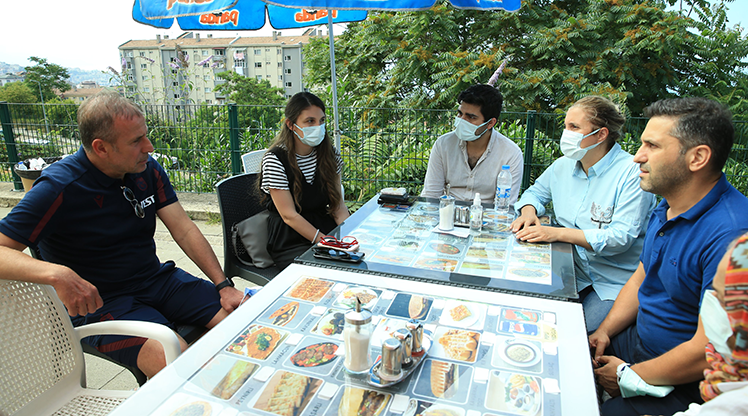Avcı'dan tedavisi süren Akçay'ın ailesine ziyaret