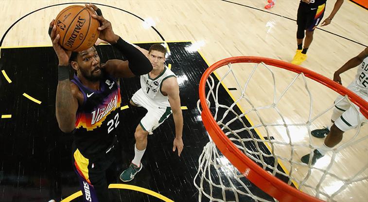 Seride açılışı Phoenix Suns yaptı