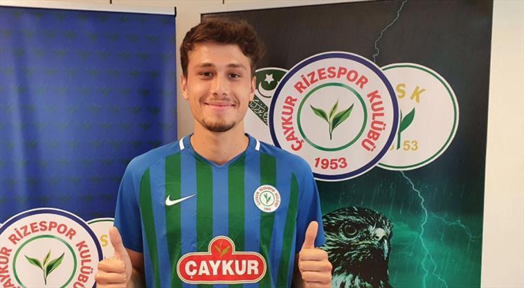 Çaykur Rizespor'a genç savunmacı