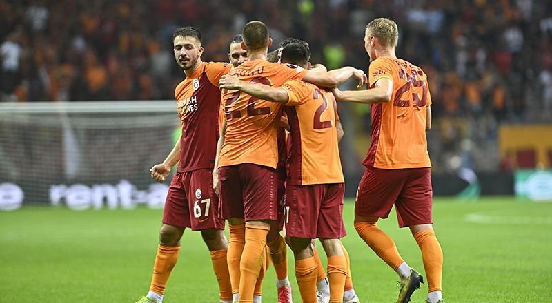 Galatasaray galibiyetle başladı