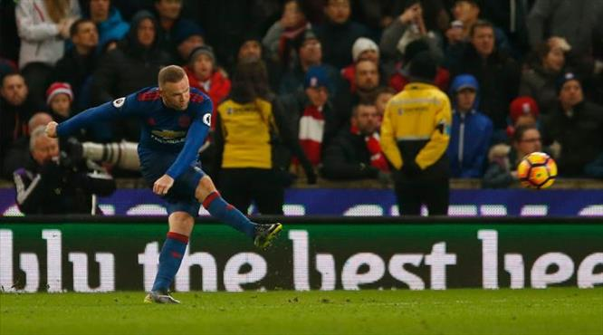 Rooney efsane golle ManU'yu kurtardı! (ÖZET)